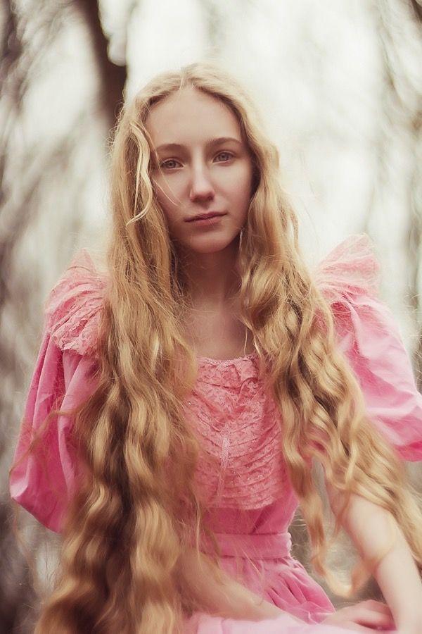 blondinka-seksualnie-i-krasivie-volosi-2015-94