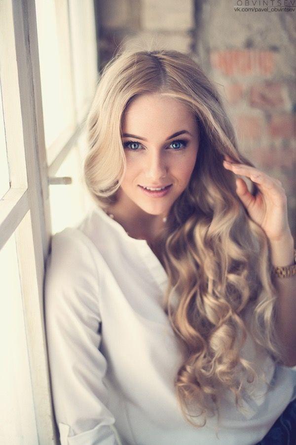 blondinka-seksualnie-i-krasivie-volosi-2015-108