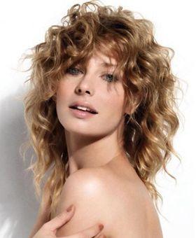 Стрижки для вьющихся волос фото