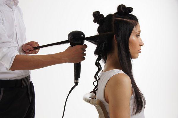Преимущества автоматических плоек для завивки волос