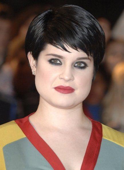 Квадратное лицо для коротких волос