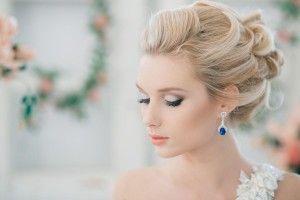 Прически на волосы средней длины с челкой на свадьбу
