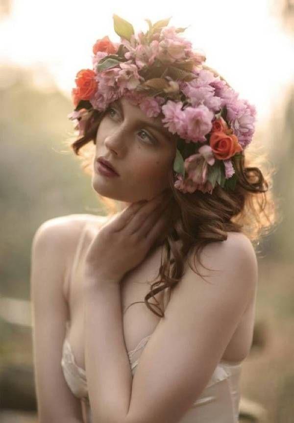 Прически с цветами в волосах (весна-лето). 50 идей для вашего образа