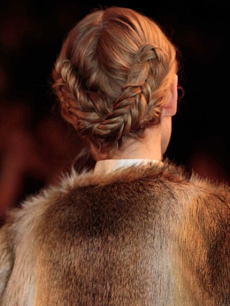 3christian-siriano-fall-2013-fishtail-braid-chignon