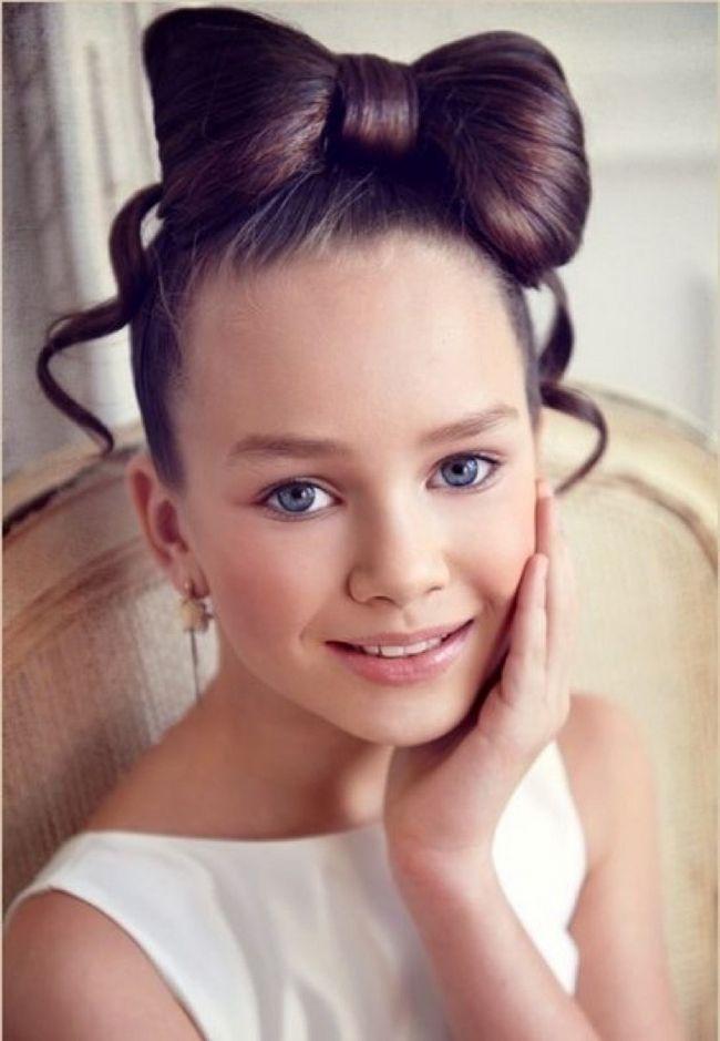 detskie-pricheski-dlya-devochek-na-noviy-god25