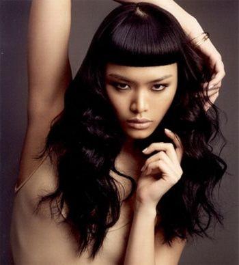 прямая чёлка для длинных волос фото 1