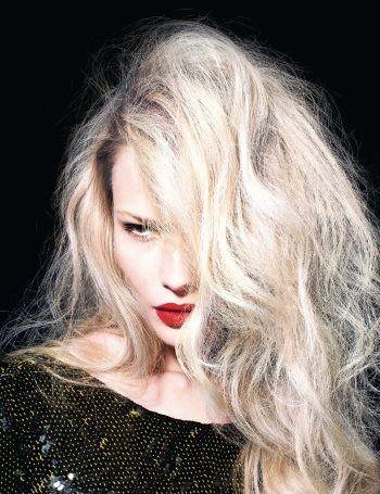 «Рваная» стрижка на длинных волосах асимметричный зачес