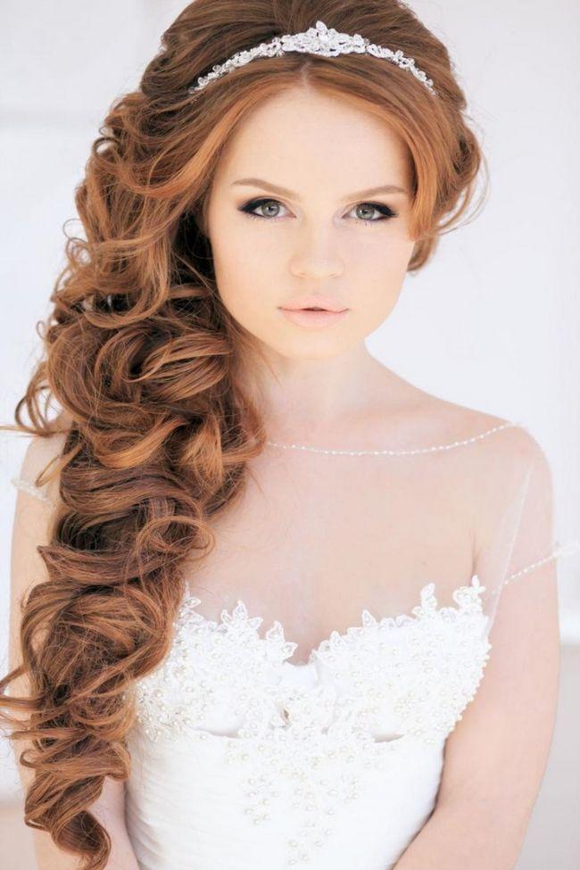 Свадебные прически для рыжих Ниспадающие и красиво уложенные волосы это самая выигрышная прическа для рыжеволосой невесты. Яркие рыжие волосы также