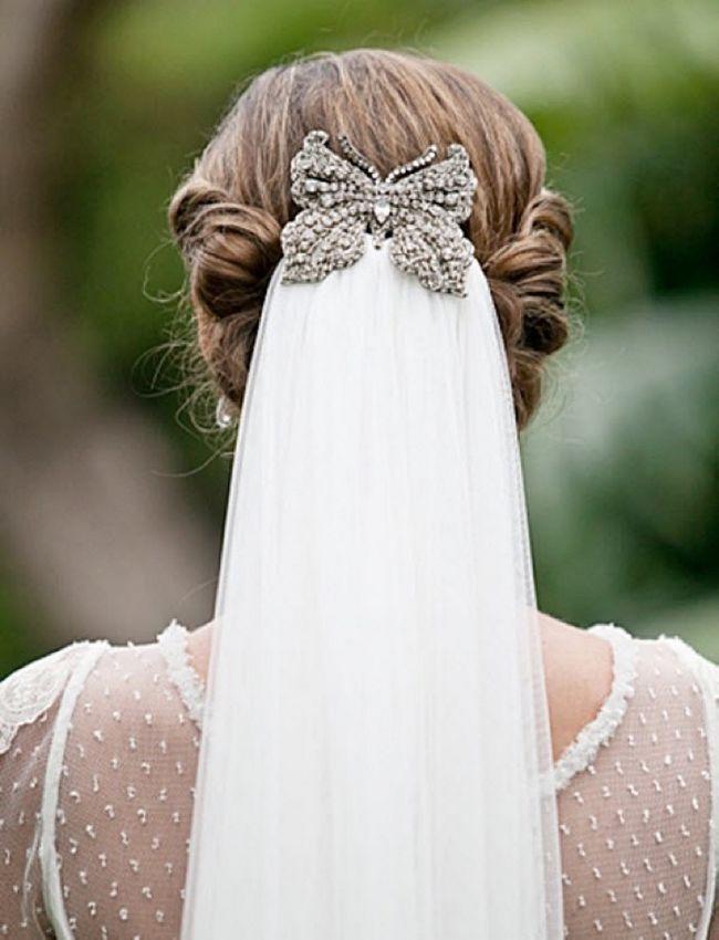 svadebnie-pricheski-na-srednie-volosi-s-fatoy2