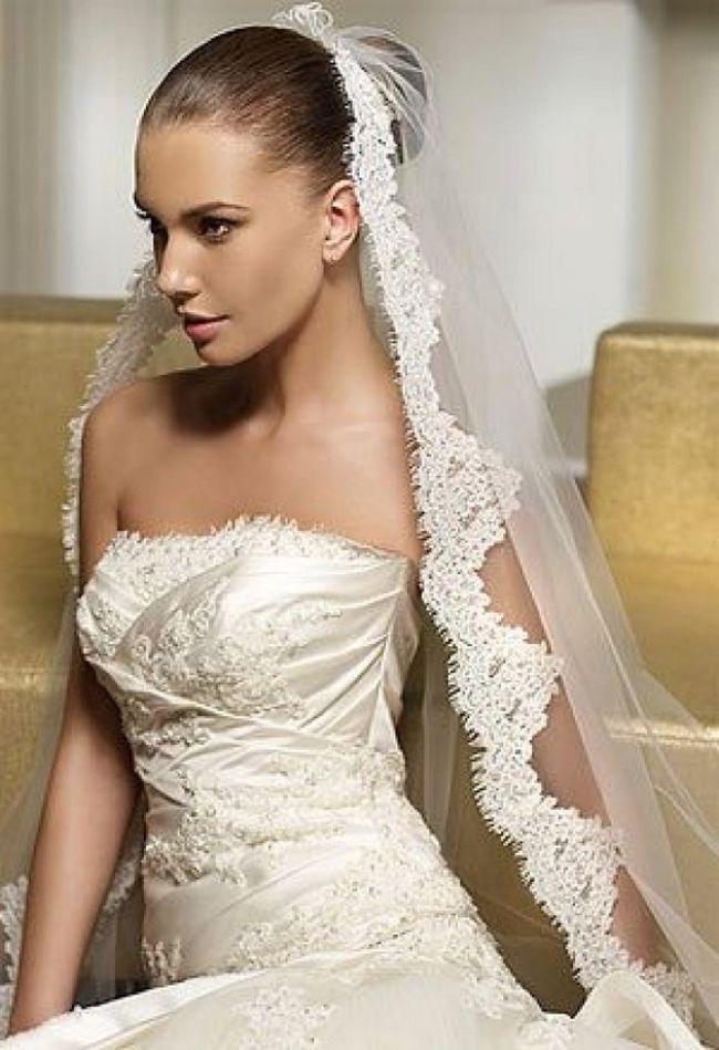 svadebnie-pricheski-na-srednie-volosi-s-fatoy13