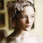 svadebnye_pricheski_na_kototkie_volosy_retro_3-1