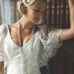 svadebnye_pricheski_na_kototkie_volosy_retro_2