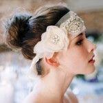 svadebnye_pricheski_na_kototkie_volosy_retro_4-6