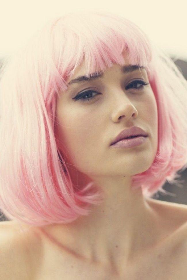 Такие разные девушки, а общее — розовые волосы. 50 фото