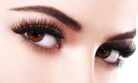 Выразительный взгляд с краской для бровей и ресниц estel