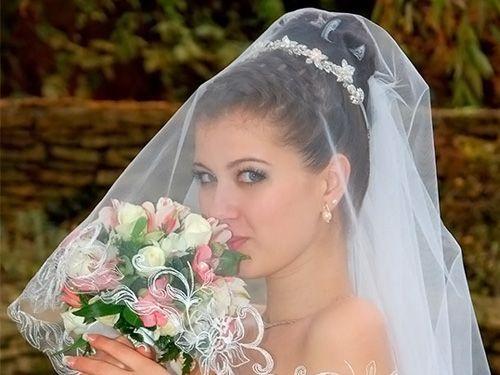 красивая высокая прическа на свадьбу с фатой