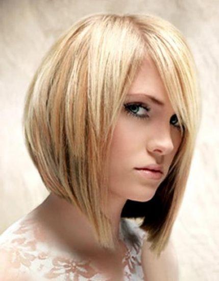 Женская стрижка с длинными прядями у лица – креатив и женственность